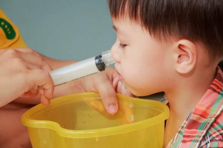 промыть нос ребенку в домашних условиях