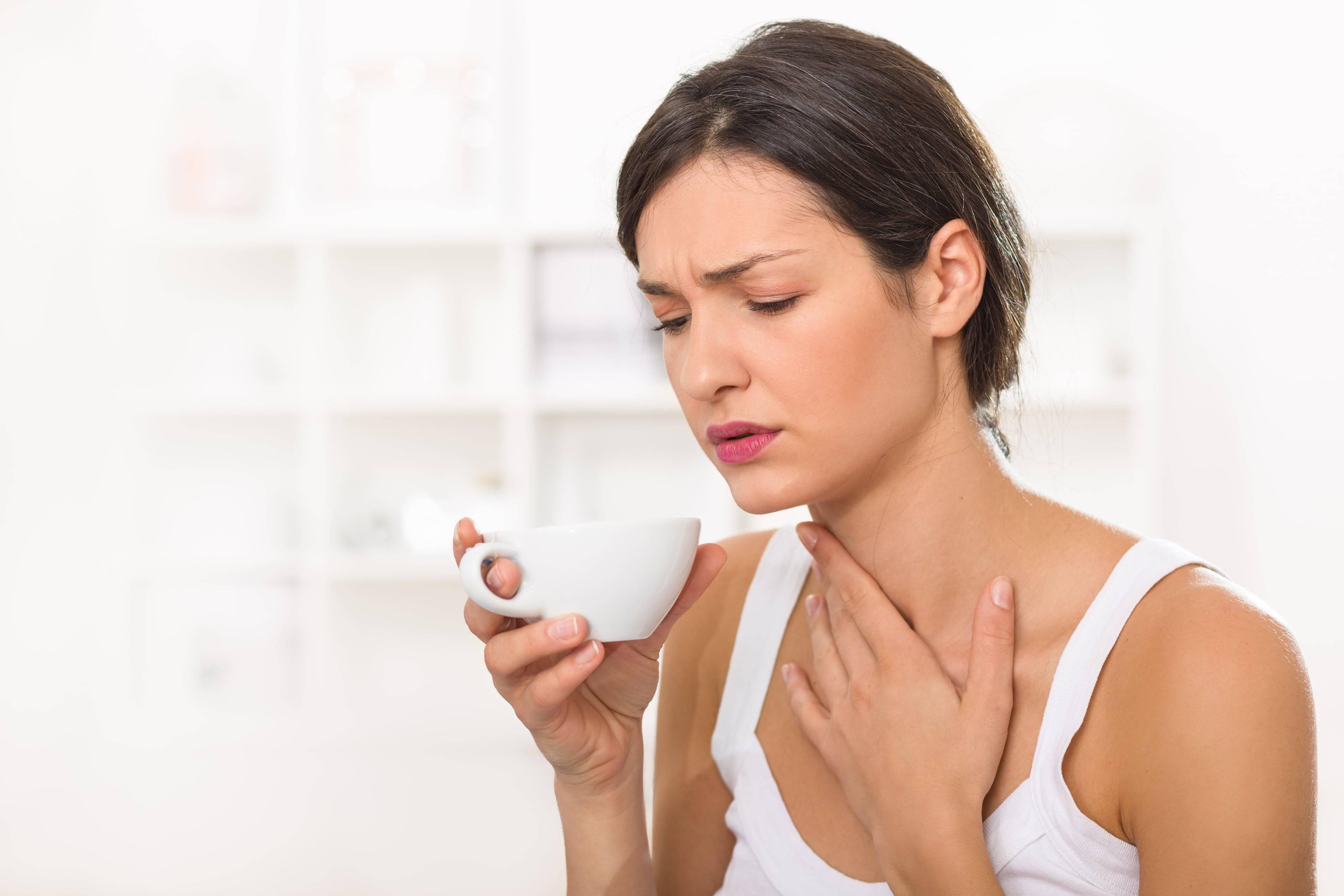 Почему беспокоит кашель после приема пищи