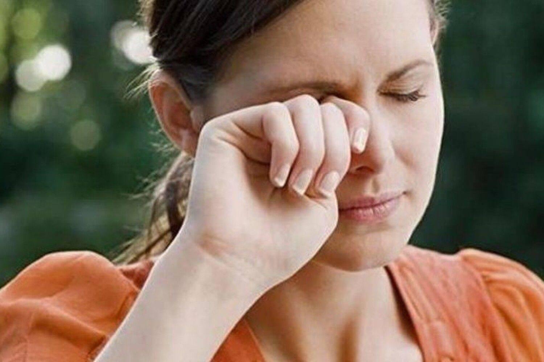 Болит голова дергается глаз при беременности