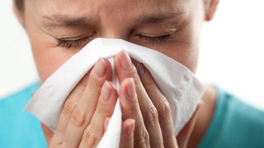 Чем мазать болячки в носу: причины их появления и лечение