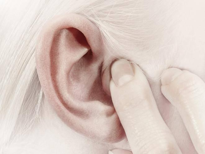 Шум в ушах и голове: причины, способы лечения, препараты