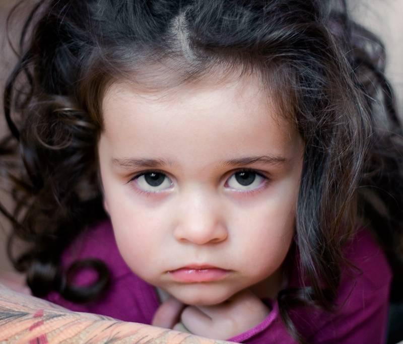 почему у ребенка синяки под глазами