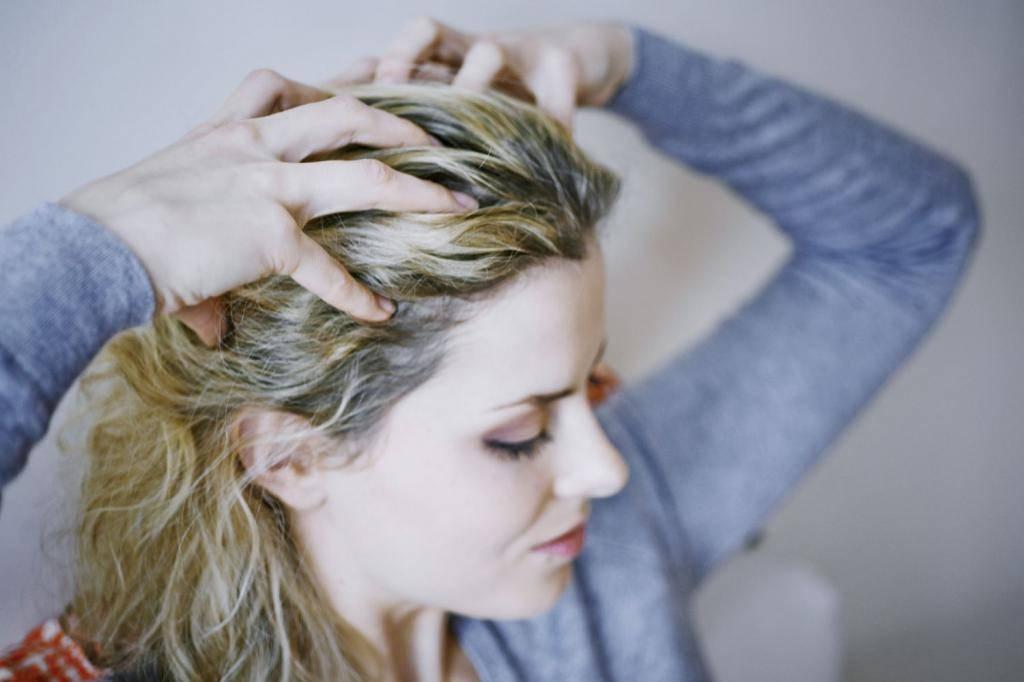 Герпес на голове: симптоматика и методы лечения