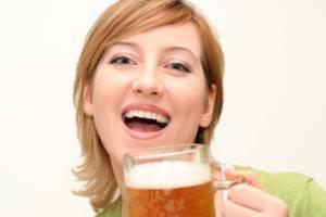 Теплое пиво от болей в горле и кашля