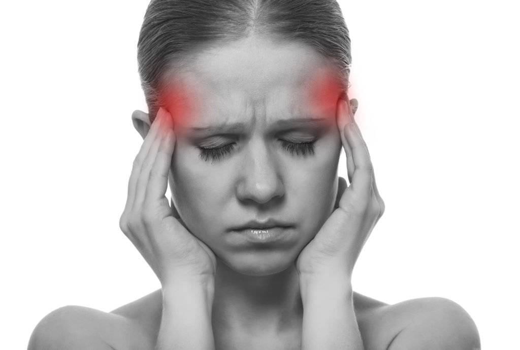 Почему внутри глаз давит и болит