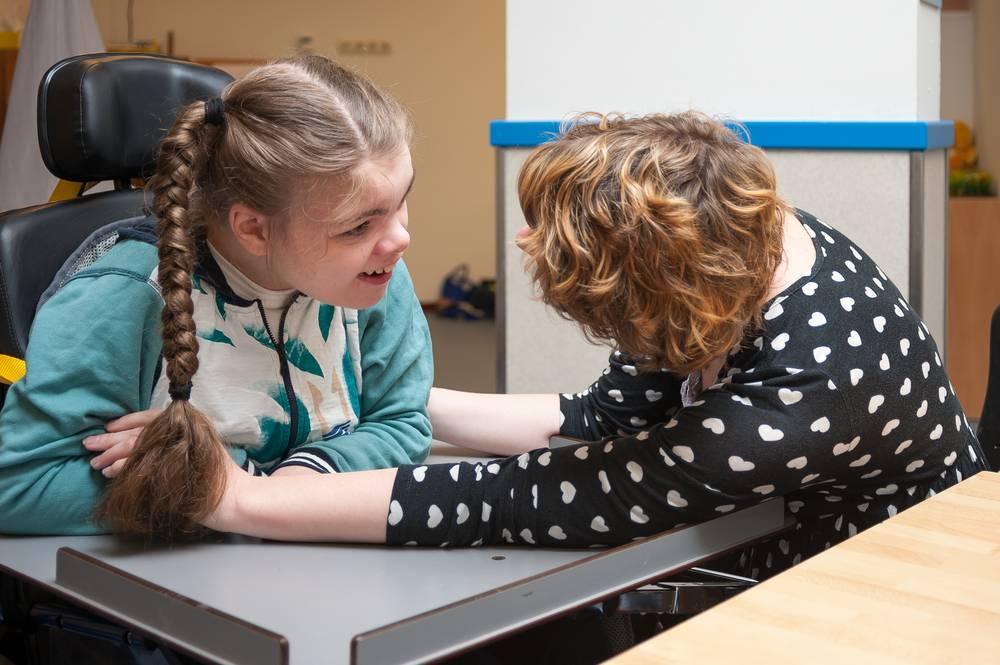 Инвалидность для аутистов: благо или зло?