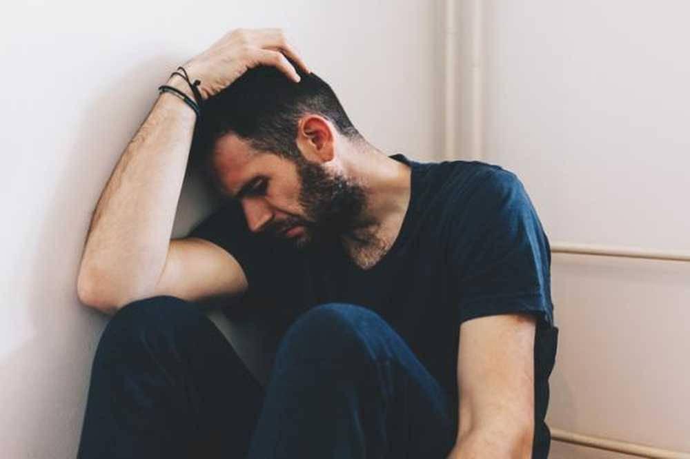 Как лечить депрессию у мужчин и что стоит предпринять в первую очередь