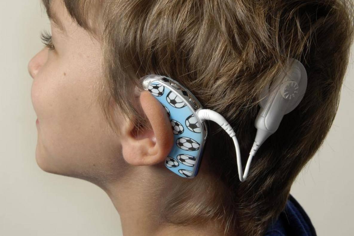 Что делать, если не слышит одно ухо и как его лечить гомеопатией?