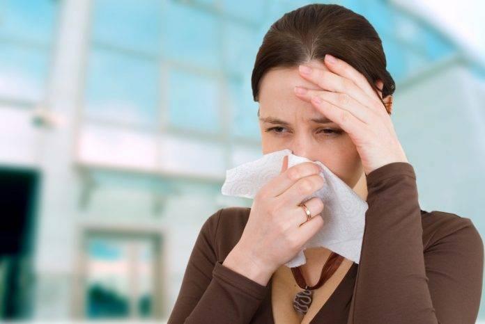 Круглогодичный аллергический ринит, симптомы и лечение сезонного и круглогодичного насморка