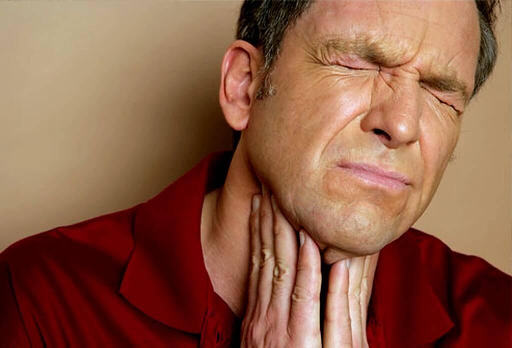Отек горла при ангине: почему важно оказать своевременную помощь?
