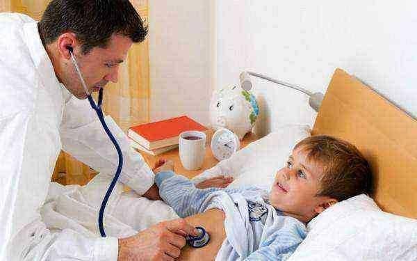 кашель у ребенка чем лечить комаровский