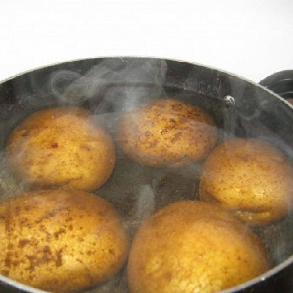 Как правильно дышать над картошкой: показания и противопоказания