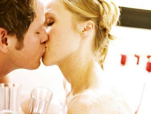 Можно ли заразиться гепатитом, вич через поцелуй?