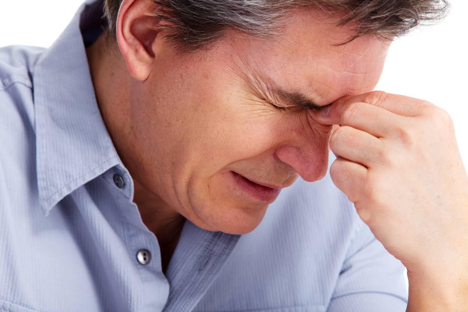 нос заложен лоб болит