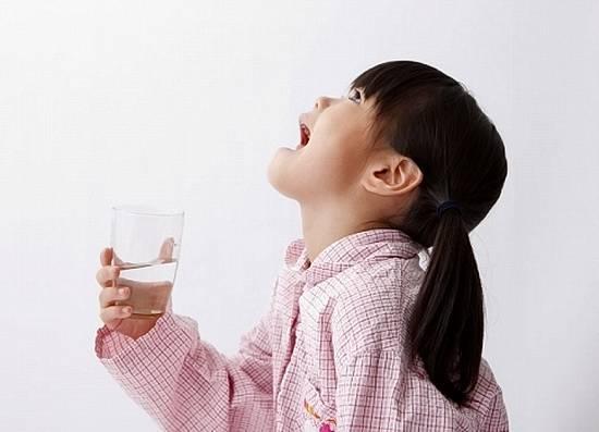 Польза полоскания горла содой и солью при ангине