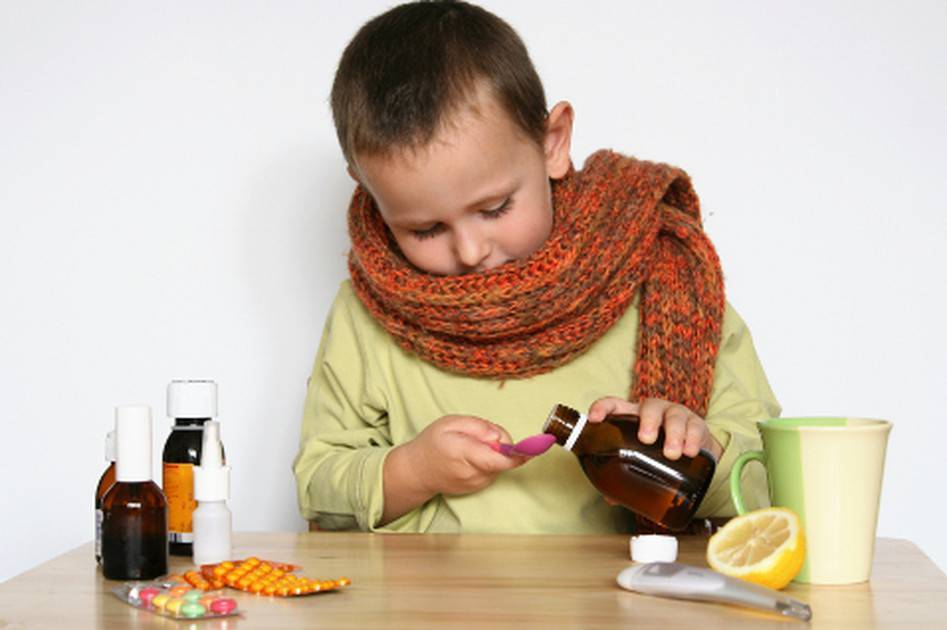 Сухой кашель у ребенка: чем лечить в домашних условиях
