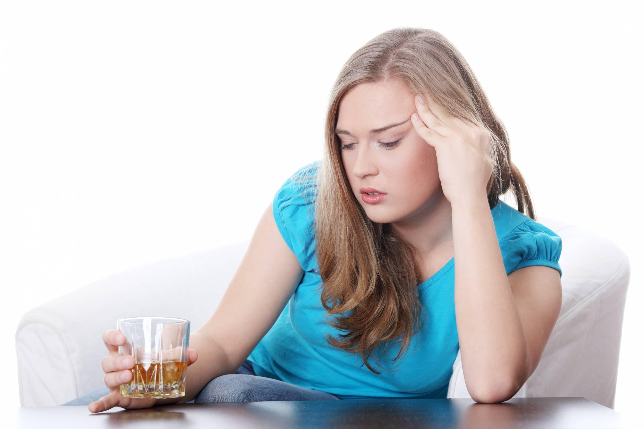 Алкогольная депрессия: симптомы и лечение