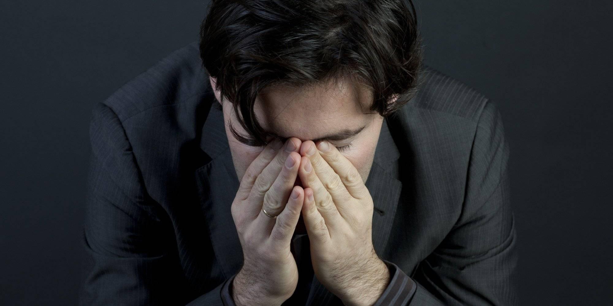 Депрессия у мужчины: что делать женщине, столкнувшейся с мужской депрессией