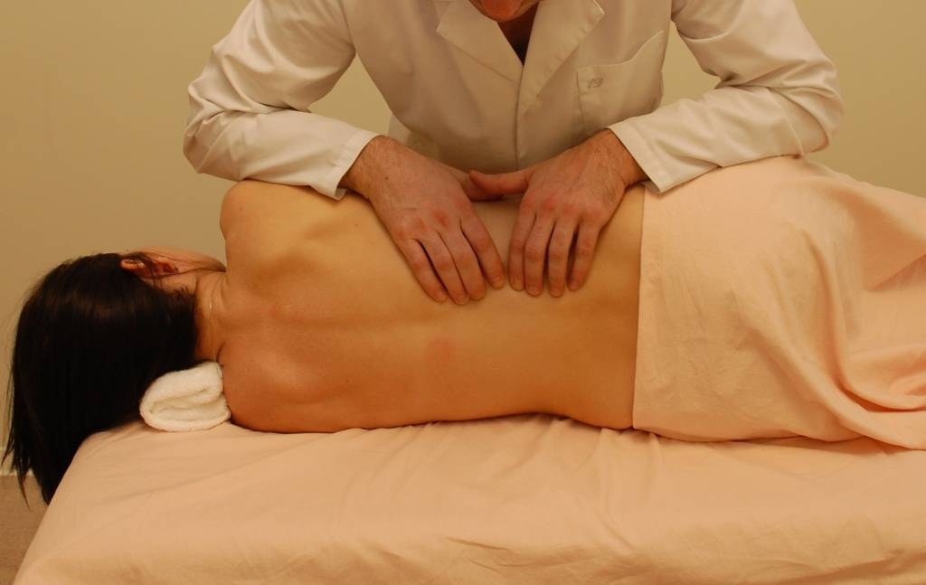 Лечение геморроя при помощи массажа