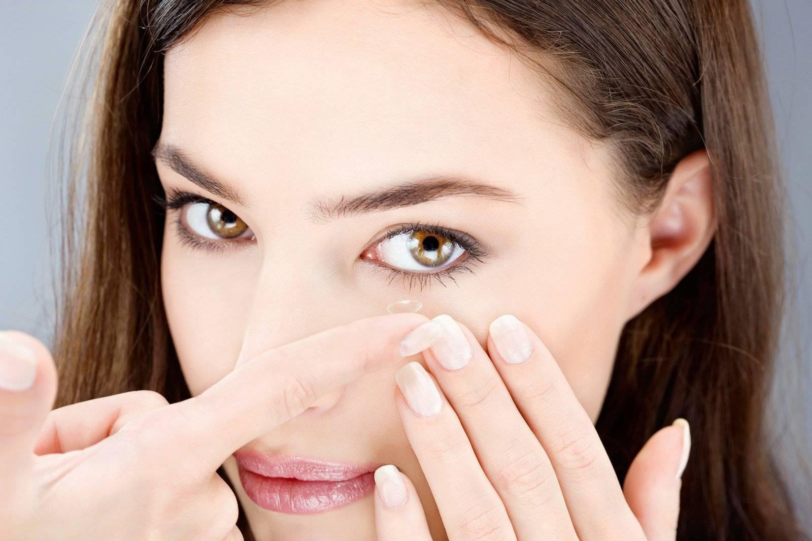 Как правильно носить контактные линзы: уход за линзами и глазами. как носить линзы