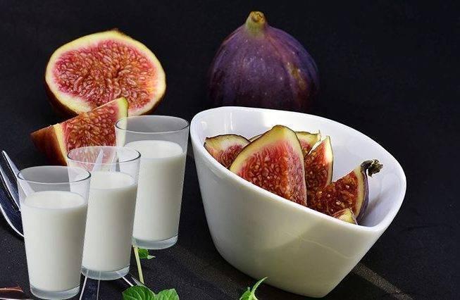 Как приготовить лекарство из инжира с молоком от кашля