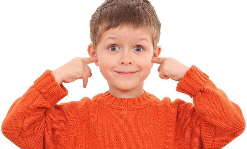 Дети с нарушением слуха (23 фото): классификация нарушений и причины, слуховые аппараты, особенности психического развития детей, профилактика