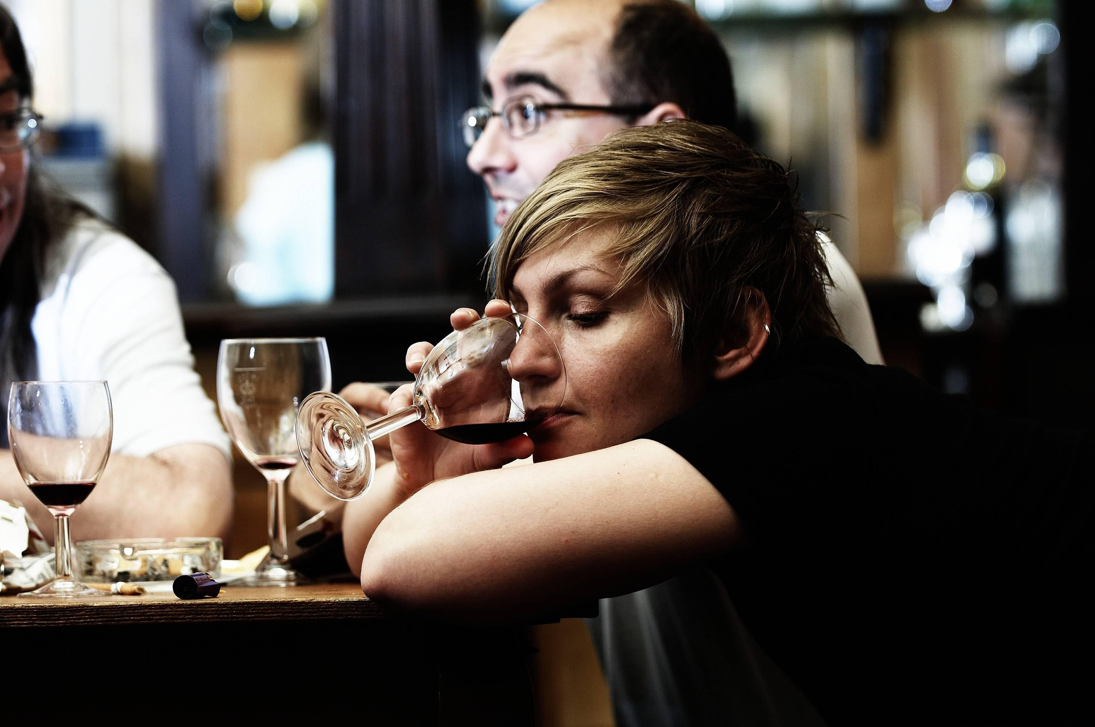 Почему неизлечим женский алкоголизм?