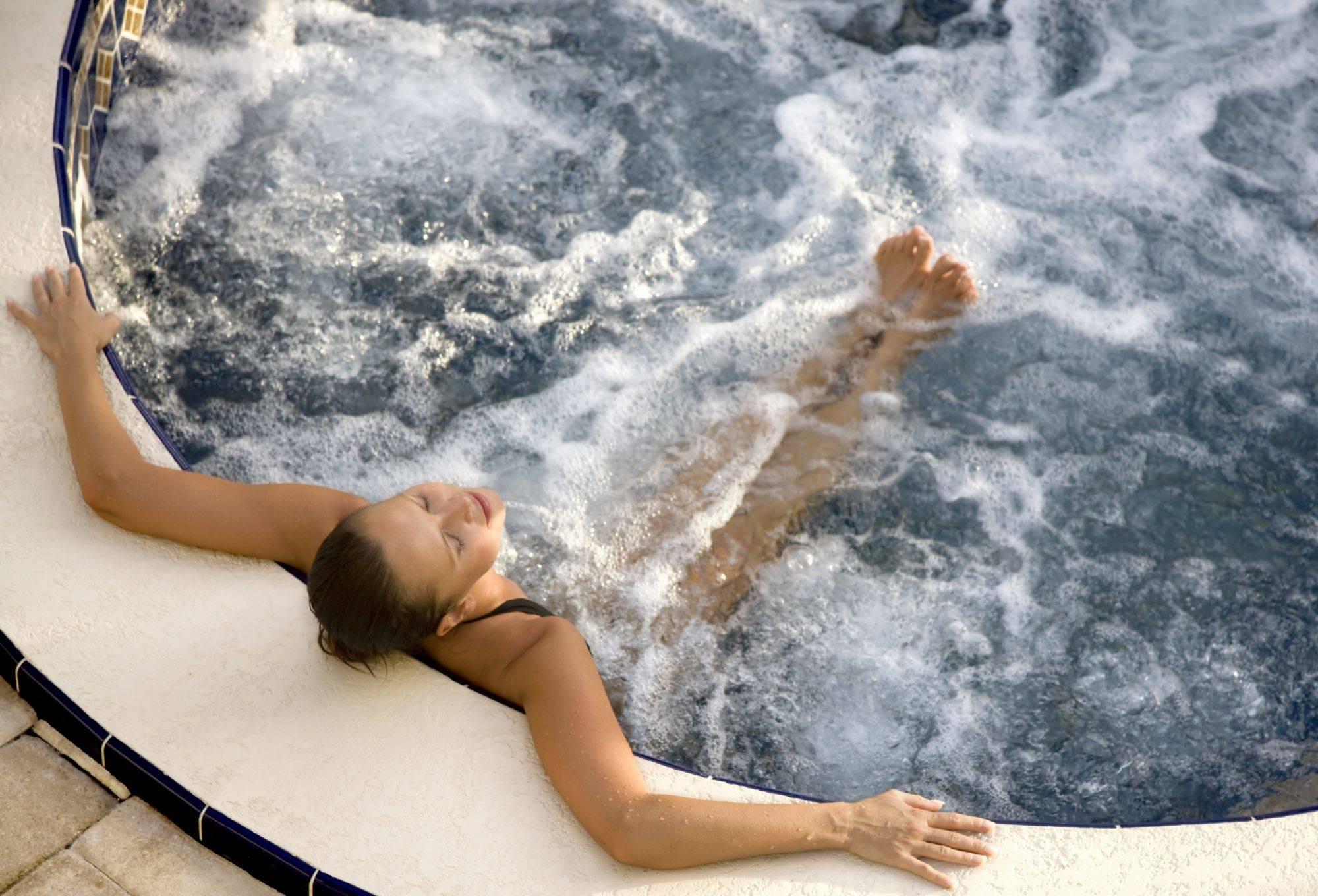можно ли с циститом купаться в море