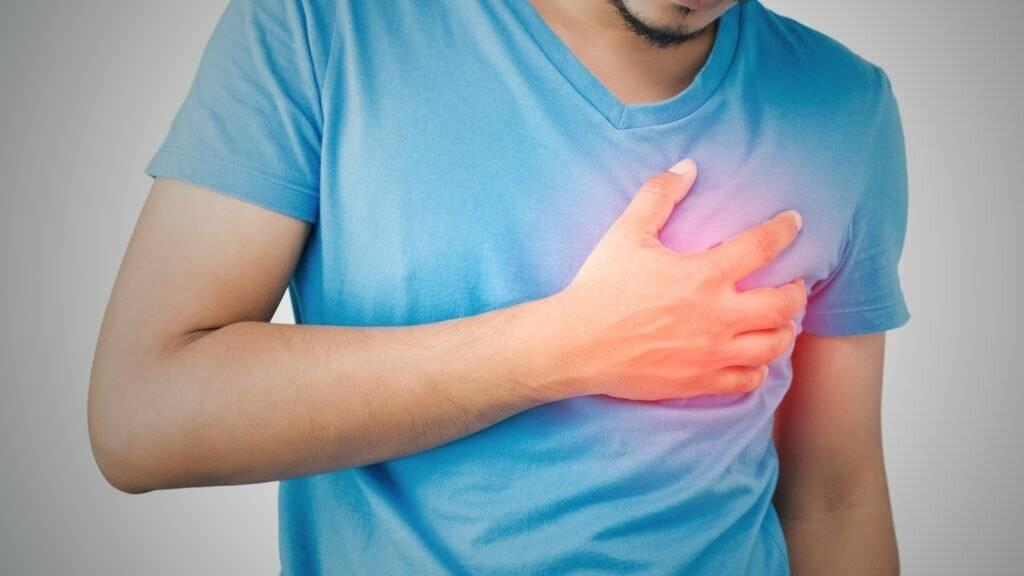 Почему у мужчины болят груди