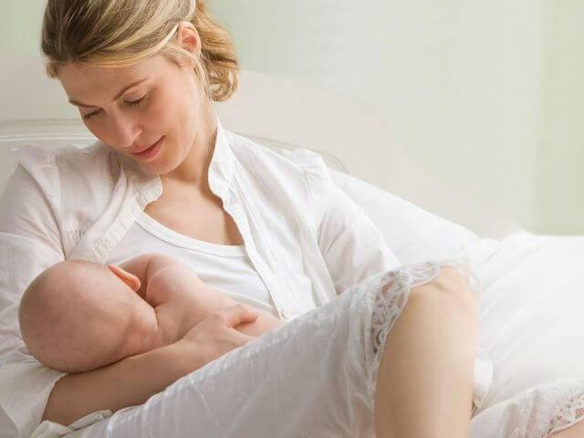Ангина у кормящей мамы лечение комаровский