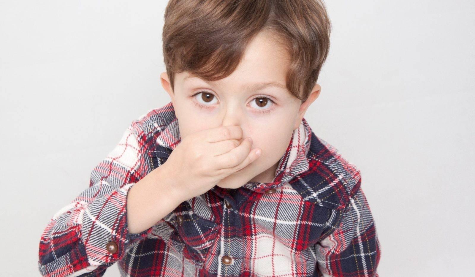 У ребенка из носа течет кровь при высокой температуре