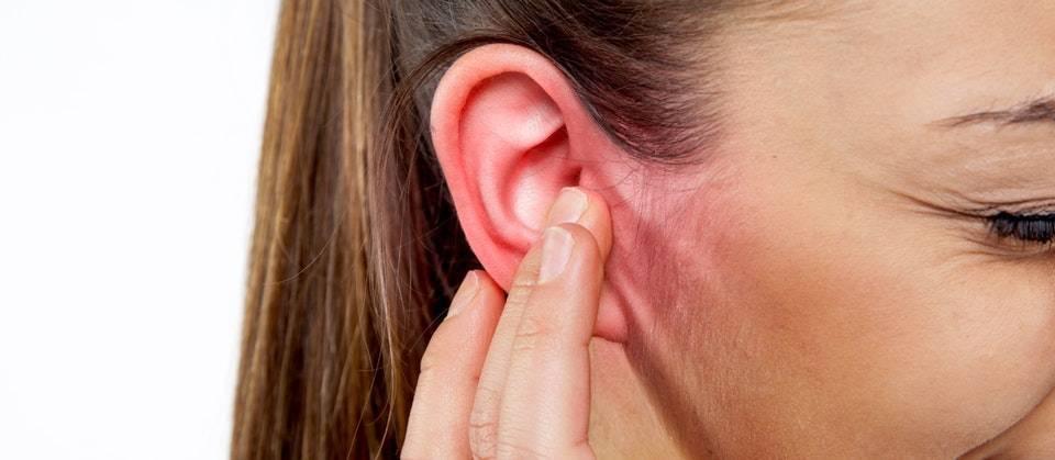запах за ушами у взрослых чем лечить