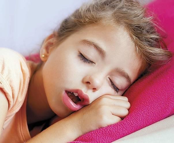Острый назофарингит у детей: симптомы и лечение