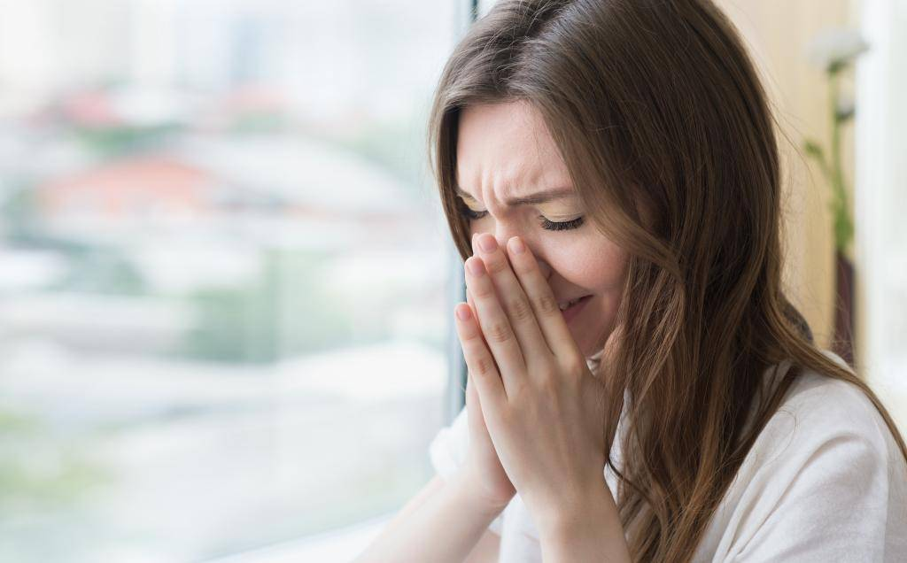 Сильный зуд в носу и чихание