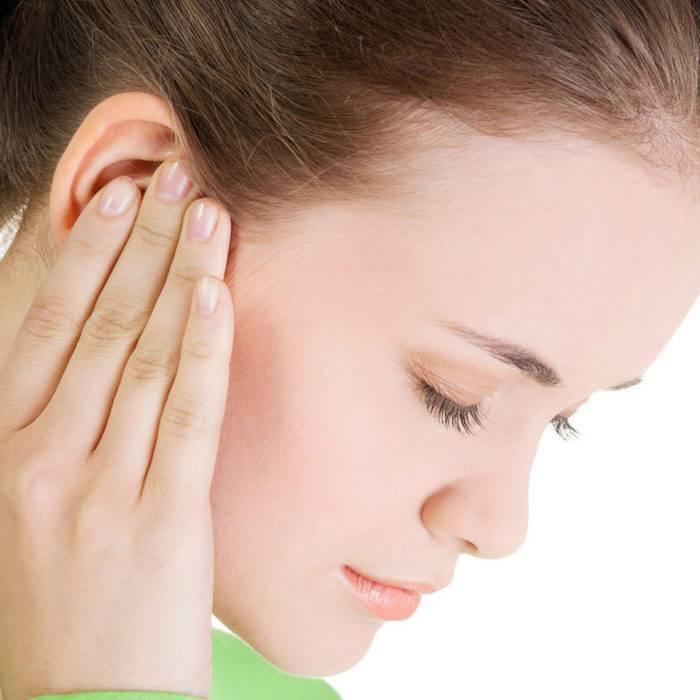 Проверить болят уши новорожденного