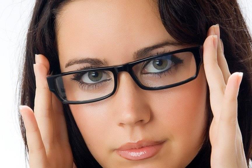 Выбор очков при астигматизме: преимущества и недостатки