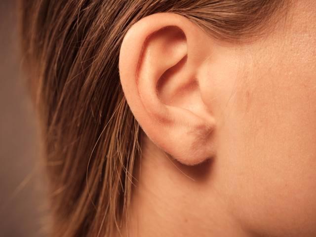 уши чешутся