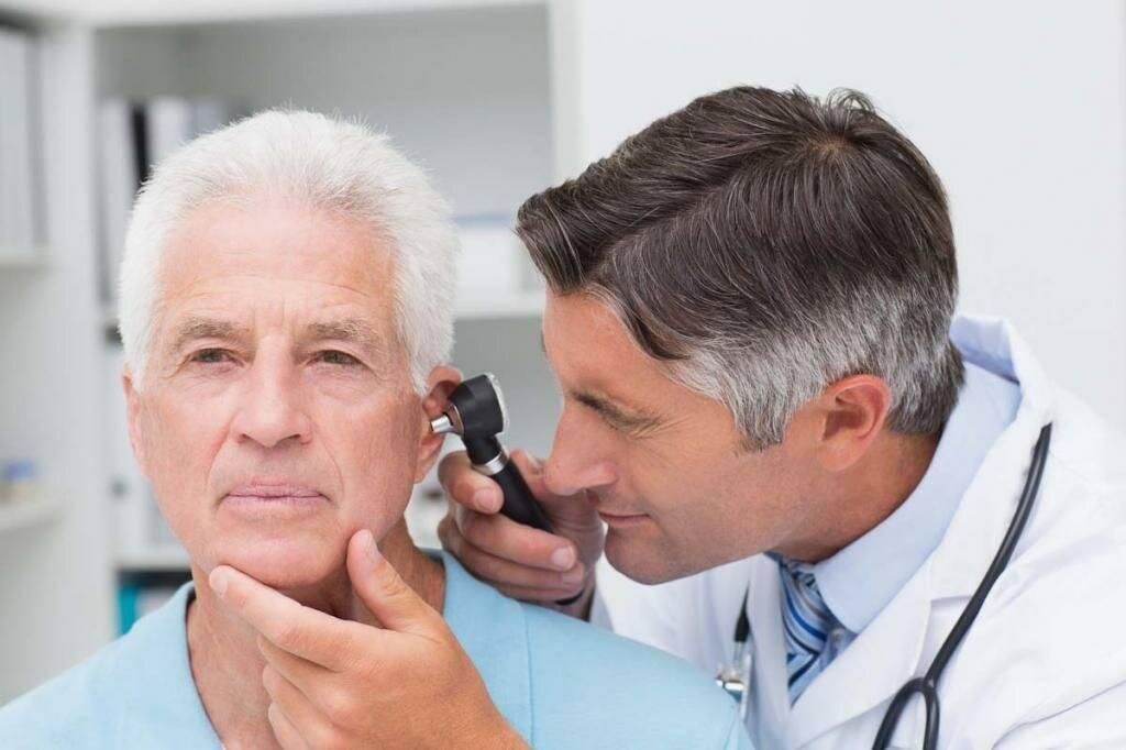 Врач, если болит ухо — к кому обращаться, как лечить