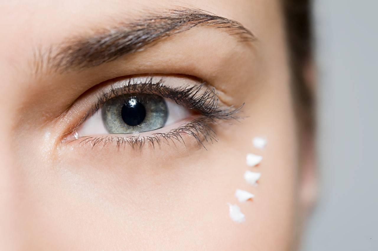 Чем промывают глазки новорожденным. уход за глазами новорожденного: чем и как правильно протирать и промывать