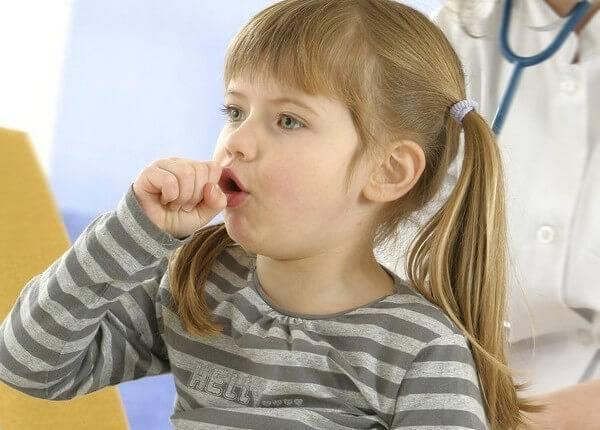 Влажный редкий кашель у ребенка без температуры чем лечить