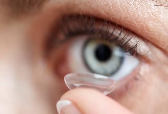 Сильно болят глаза от линз