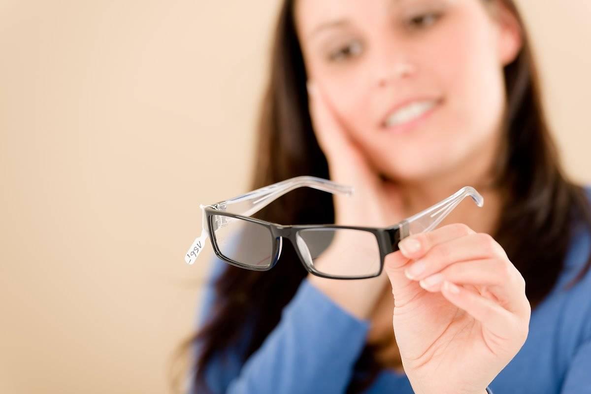 чем протирать стекла очков для зрения