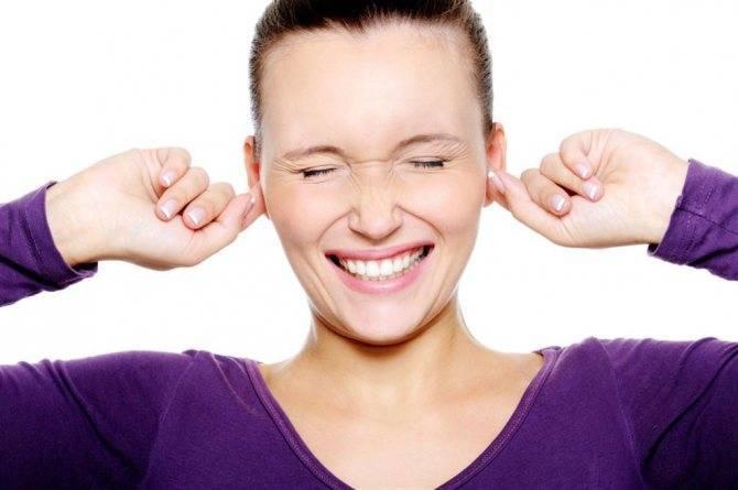 Почему чешутся уши внутри у человека — зуд в ушах, причина и лечение
