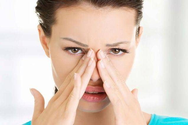 Боли в переносице: причины, лечение и профилактика