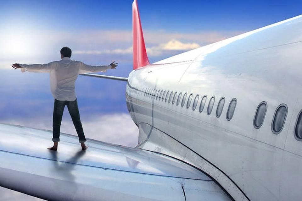 Что делать, если боишься летать на самолете: как побороть страх