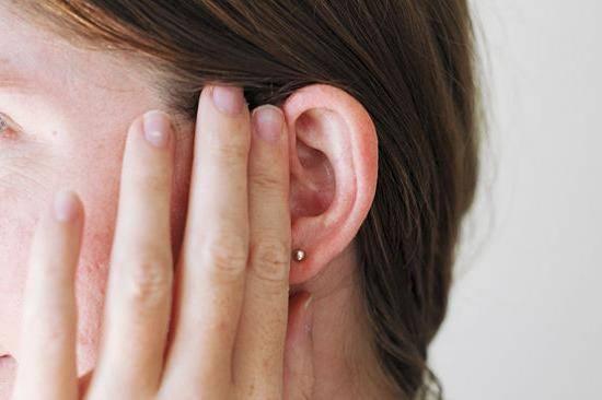 заложило ухо при беременности что делать
