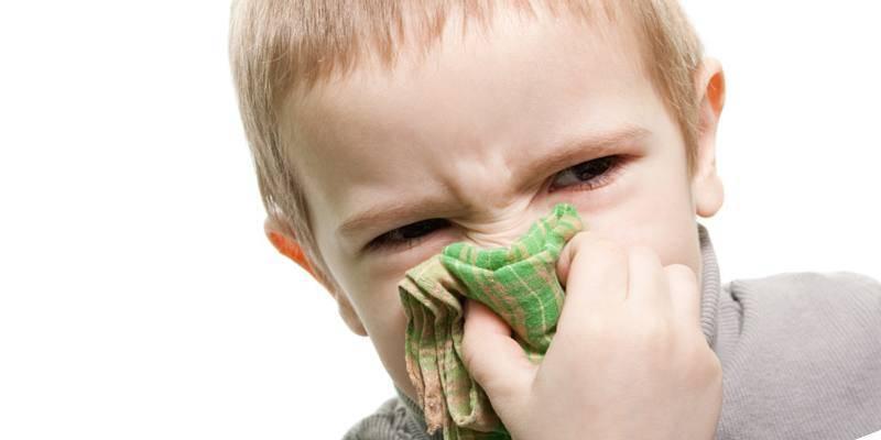 Чем капать детям при зелёных соплях