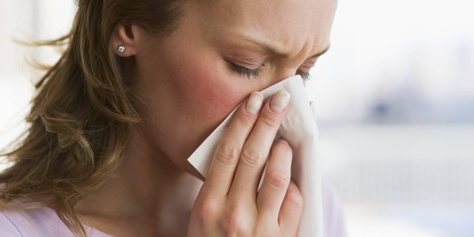 заложен нос и болит голова температуры нет