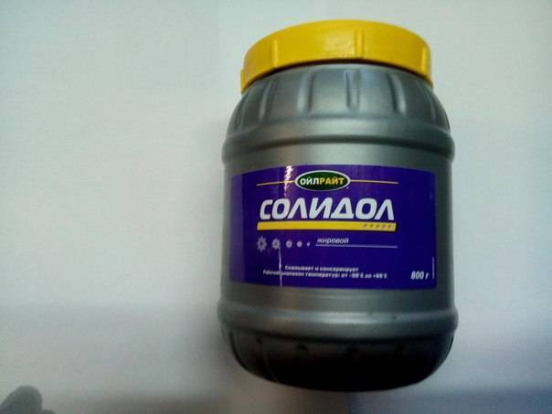 Лечение псориаза солидолом, как мазать в домашних условиях
