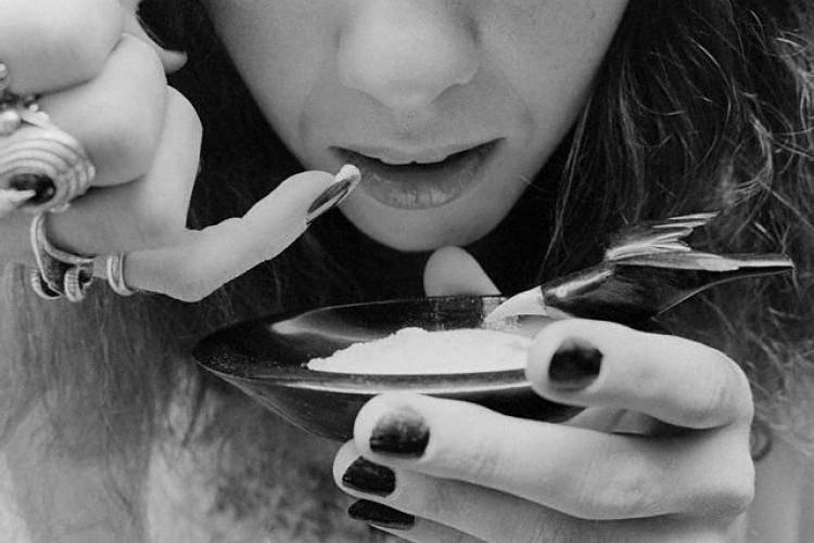 Сколько держится кокаиновая ломка: симптомы, лечение